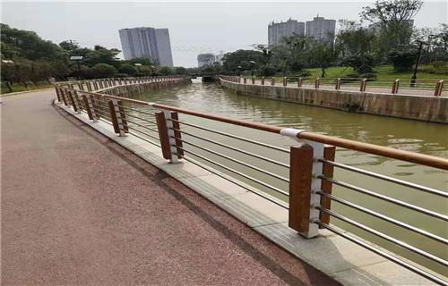 晋中优质的不锈钢桥梁防护栏杆产品详情