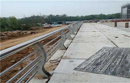 晋中q345B防撞钢桥梁护栏拼装套管配套发货