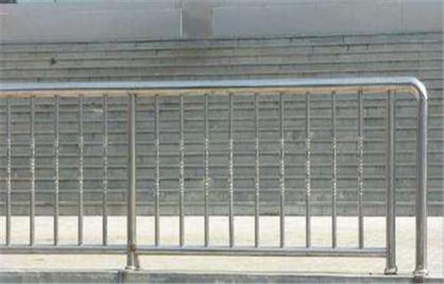 雅安不锈钢复合管栏杆诚信厂家