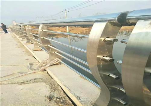 上海热镀锌桥梁钢板立柱鑫海达护栏公司