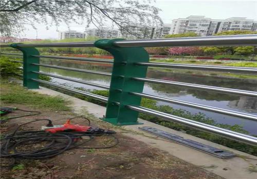 黄山不锈钢碳素复合管鑫海达护栏公司