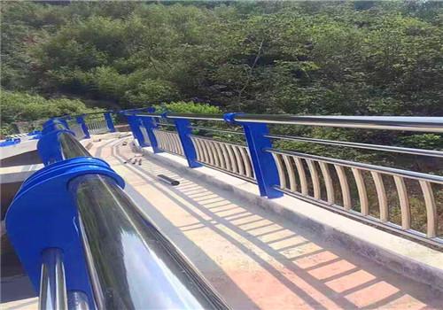 张家界道路防撞护栏鑫海达护栏公司