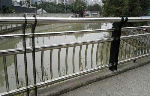 南平大桥不锈钢复合管护栏施工注意事项